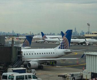 Umsteigen in Newark, Einreise in die USA