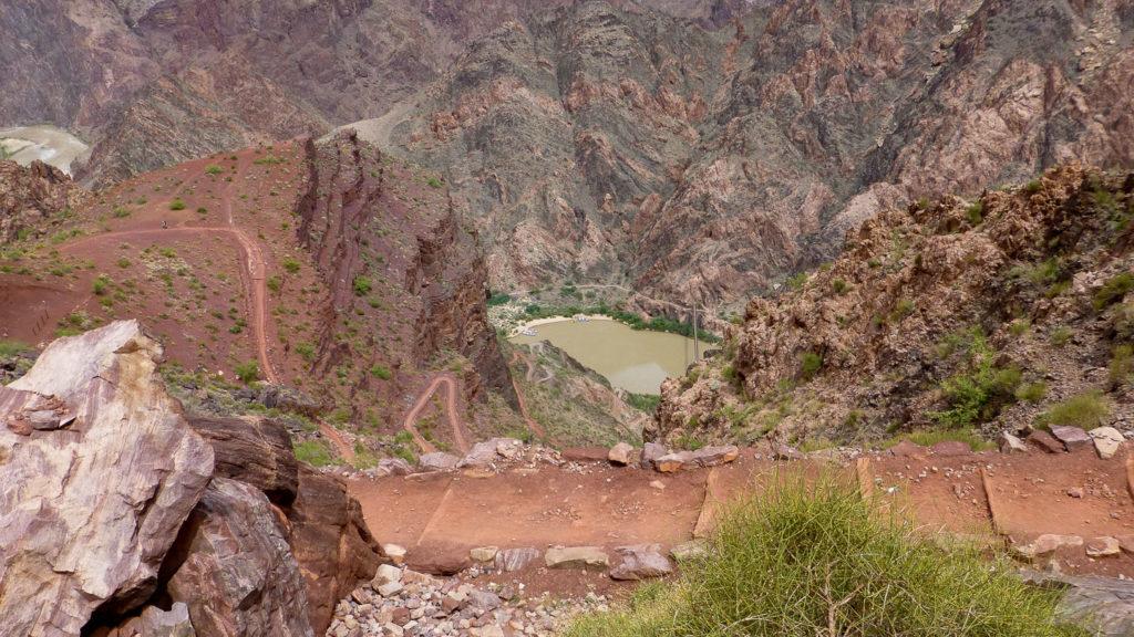 Erst unterhalb von The Tipoff zeigt sich der Colorado River
