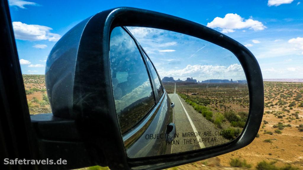 Vorbei am Monument Valley