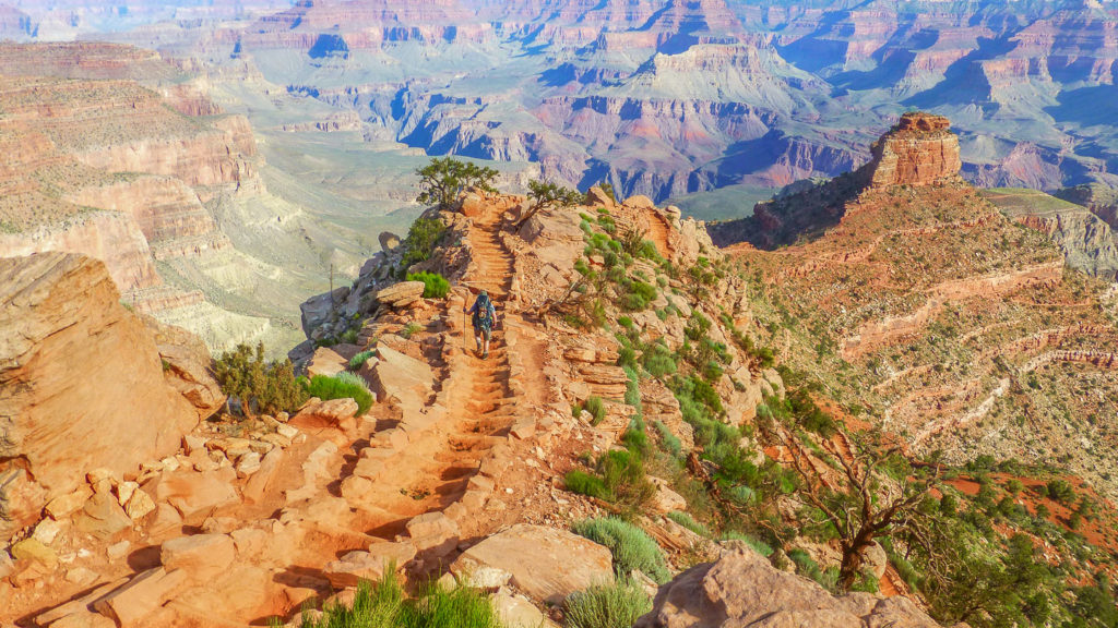 Gut ausgebauter South Kaibab Trail im Grand Canyon
