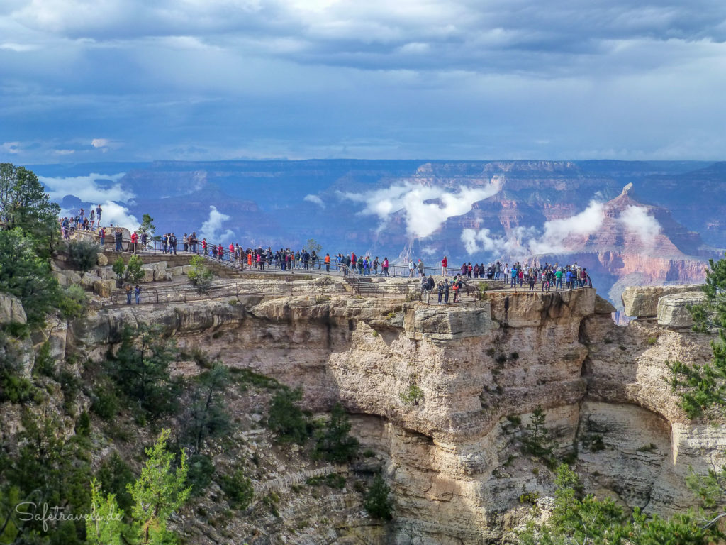 Touristenmassen am Mather Point
