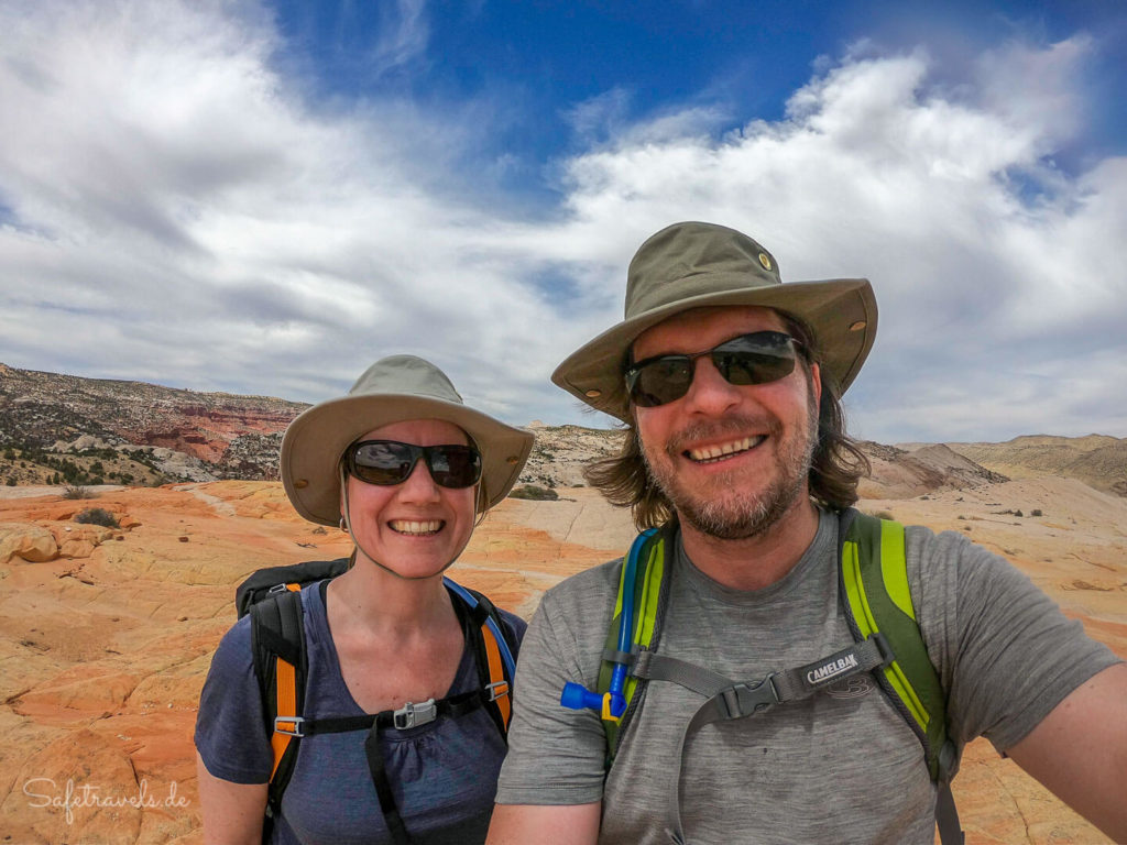 Happy Hikers auf dem Gipfel des Yellow Rock