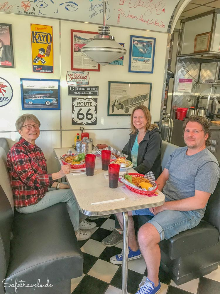 Abendessen bei Pennys Diner in Yuma