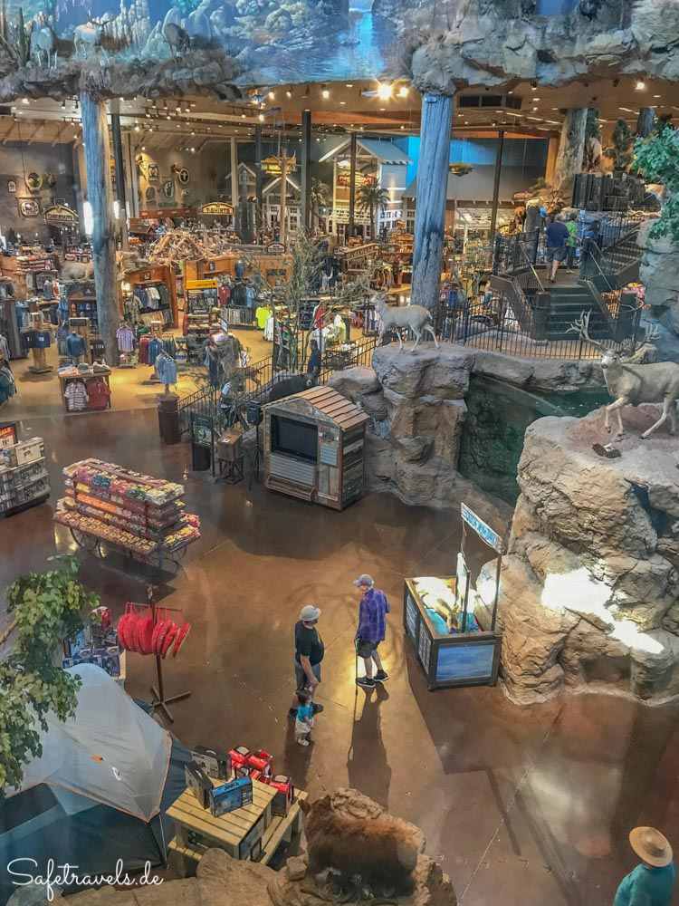 Bass Pro Outdoor World - Shopping Paradies für Jäger und Angler
