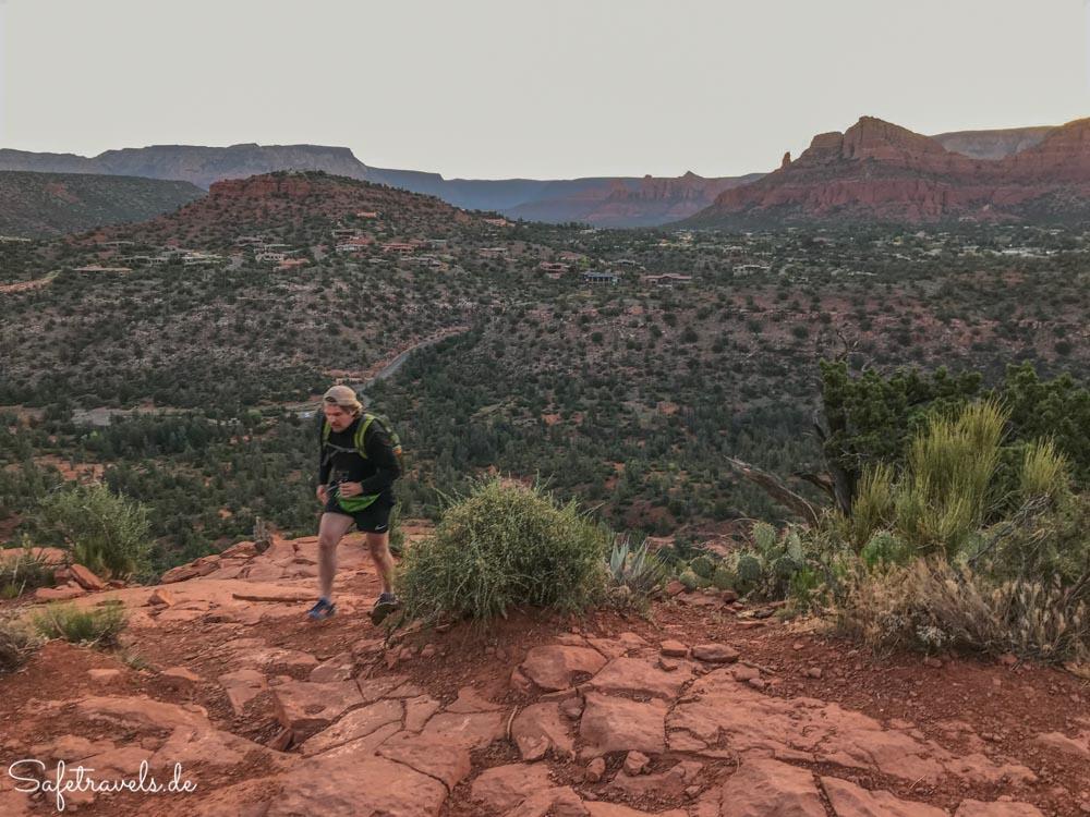 Cathedral Rock Trail - auf dem zweiten Plateau nach der Kletterei