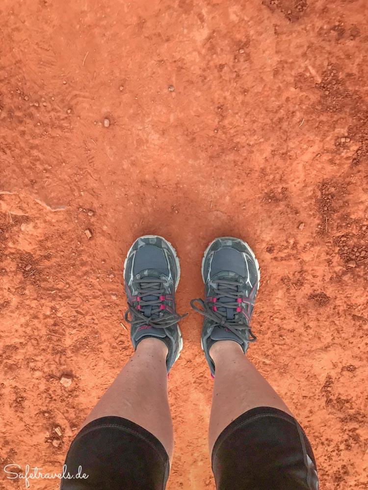 Endlich roter Sand an den Schuhen auf dem Cathedral Rock Trail