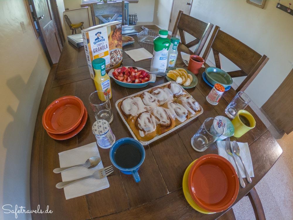 Lazy C Homestead - Frühstück in der gemütlichen Küche