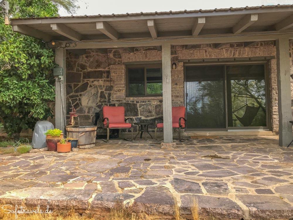 Lazy C Homestead - Zeit für eine Siesta auf der Veranda