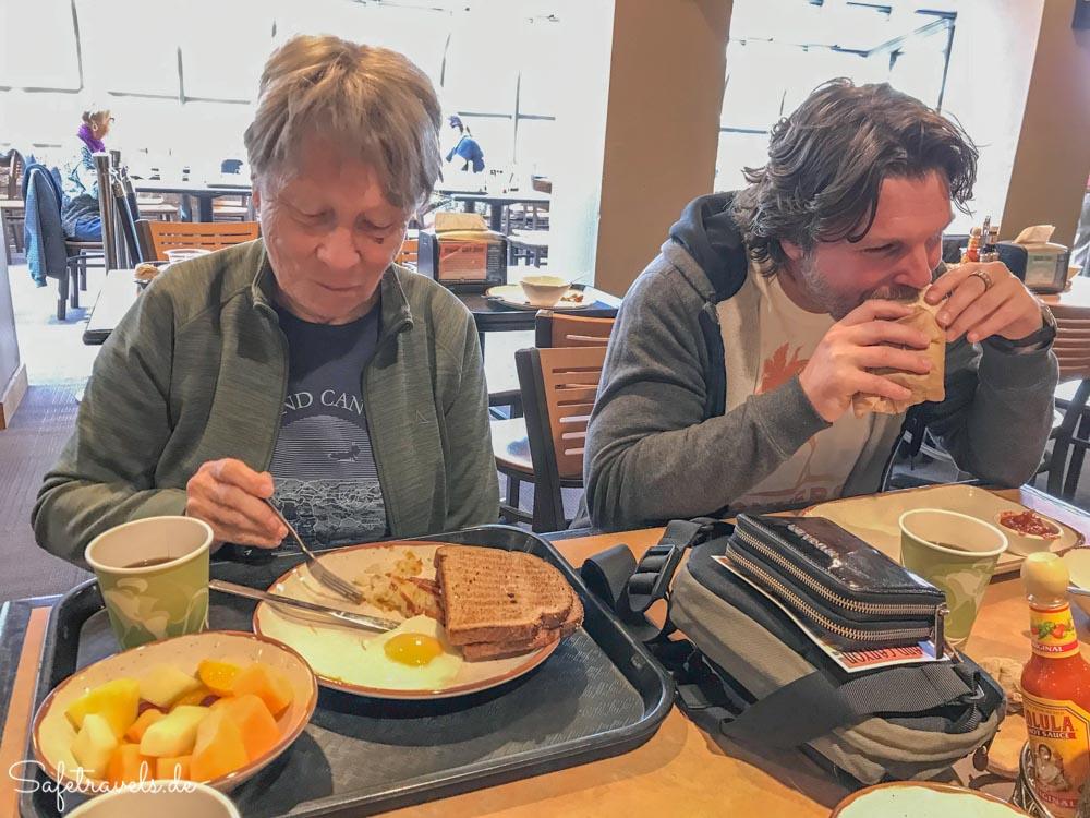 Frühstück in der Yavapai Lodge
