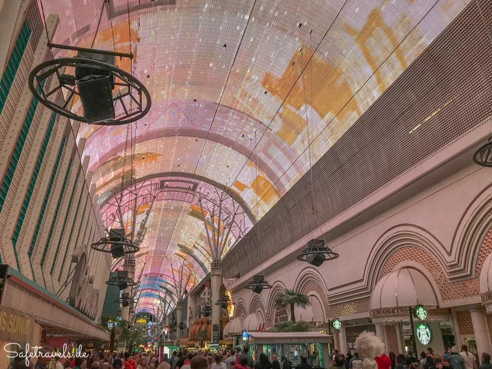 Fremont Street Experience in Downton Las Vegas