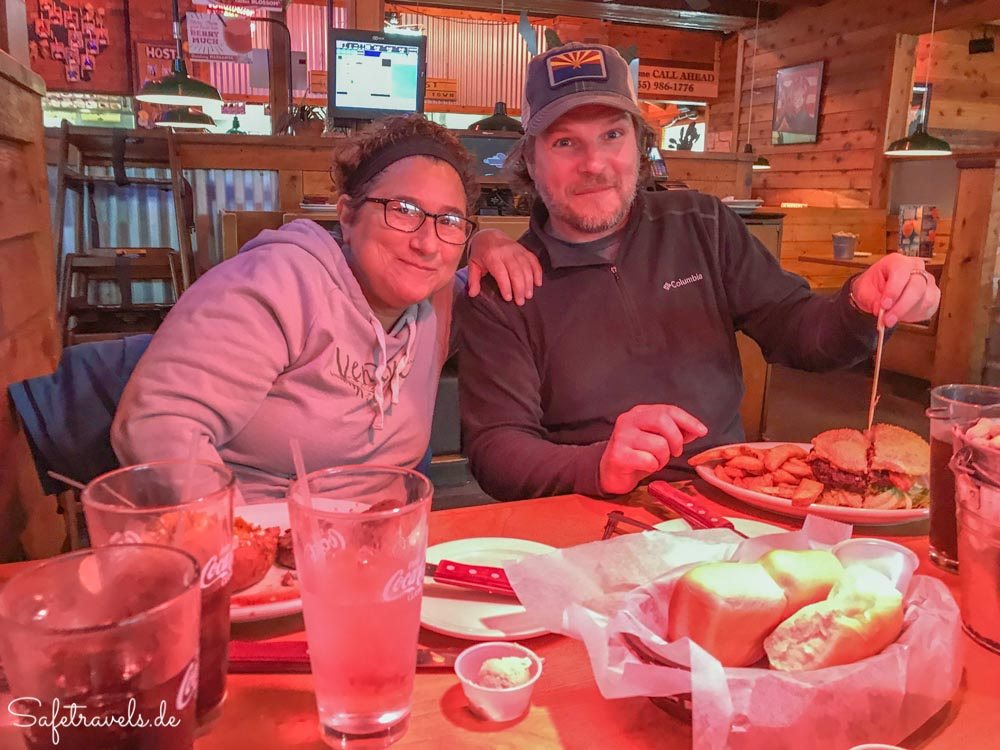 Im Texas Roadhouse mit Michelle vom Rim to Rim Club