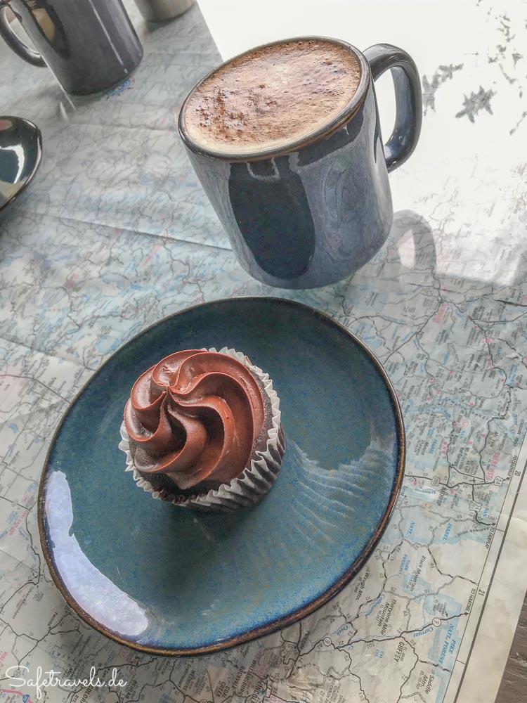 Kiva Koffeehouse - veganer Schoko-Cupcake