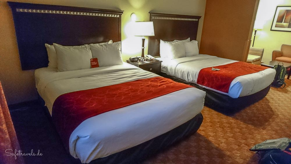 Comfort Suites Phoenix Airport - Queen Beds