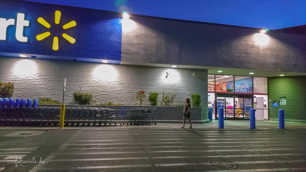 Phoenix - morgens halb sechs beim Walmart