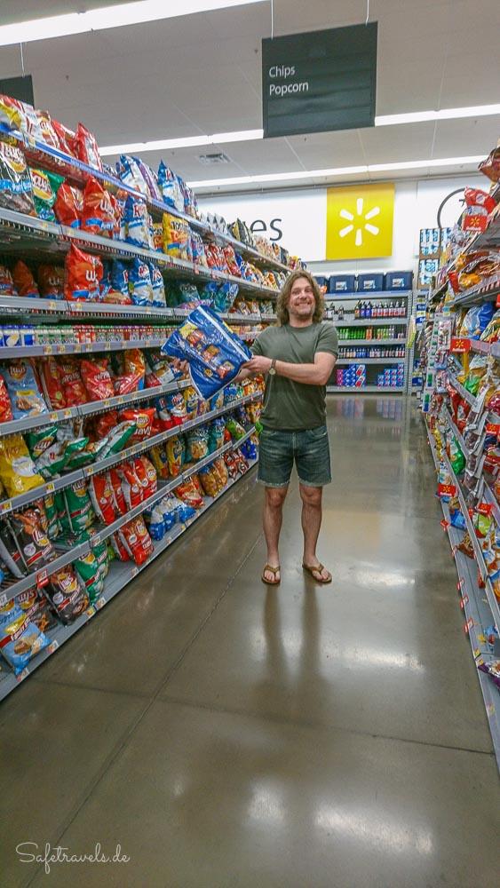 Walmart Shopping - Cheetos und Doritos