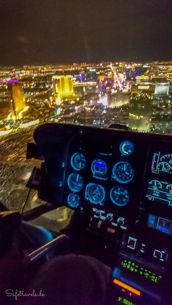 Las Vegas Helikopter - nachts über dem Strip