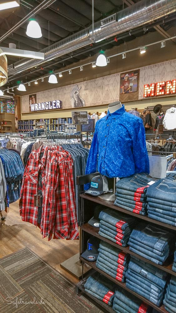Las Vegas Shopping - Westernhemden bei Boot Barn
