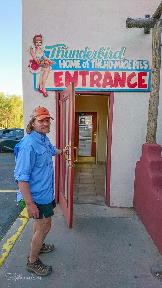 Eingang zum Thunderbird Restaurant - Zion National Park Osteingang