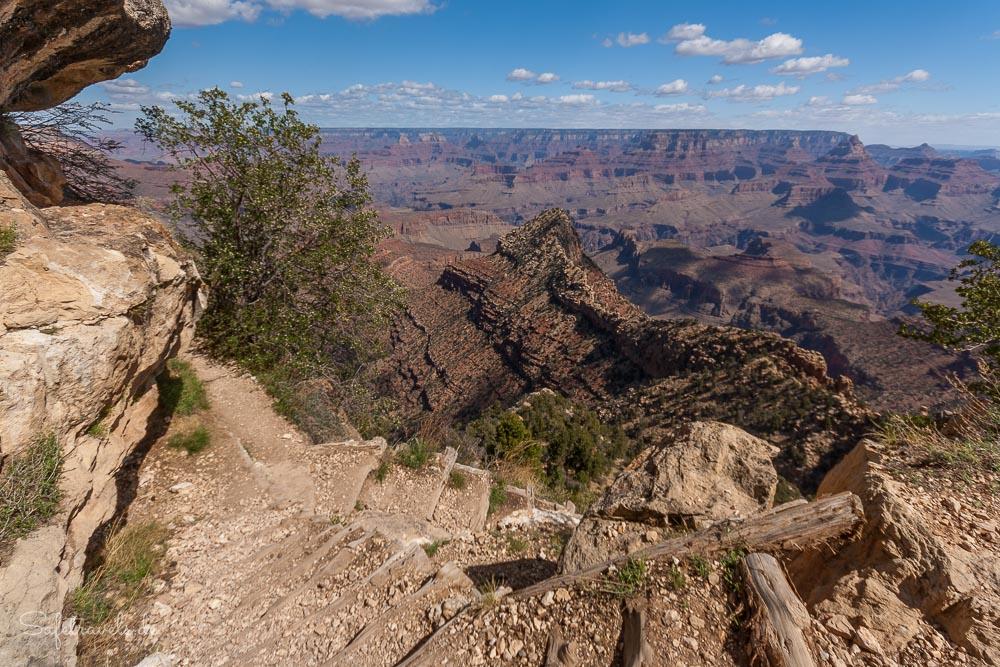 Aufstieg auf dem Grandview Trail mit Blick auf die Horseshoe Mesa