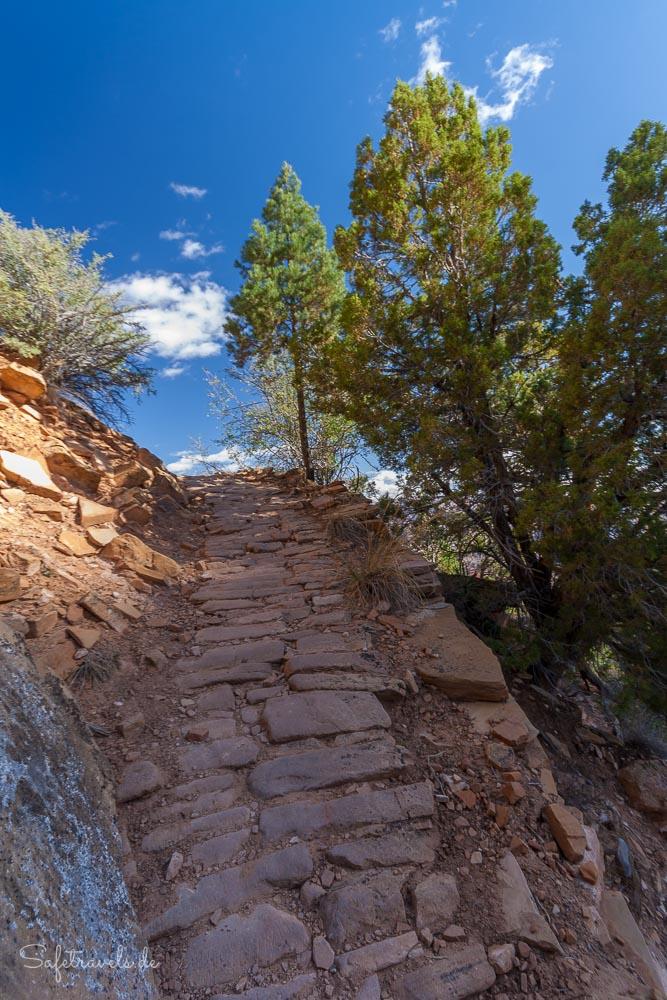 Steile Stellen mit Cobblestone