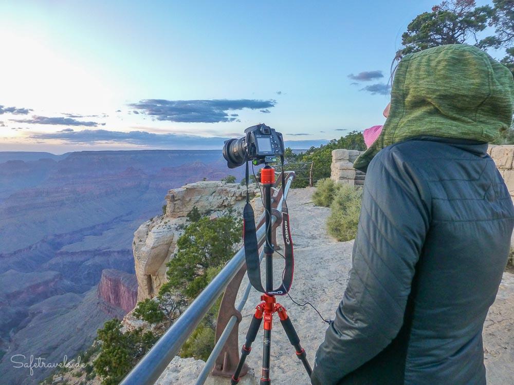 Sonnenuntergang am Grand Canyon South Rim - warten auf das beste Licht