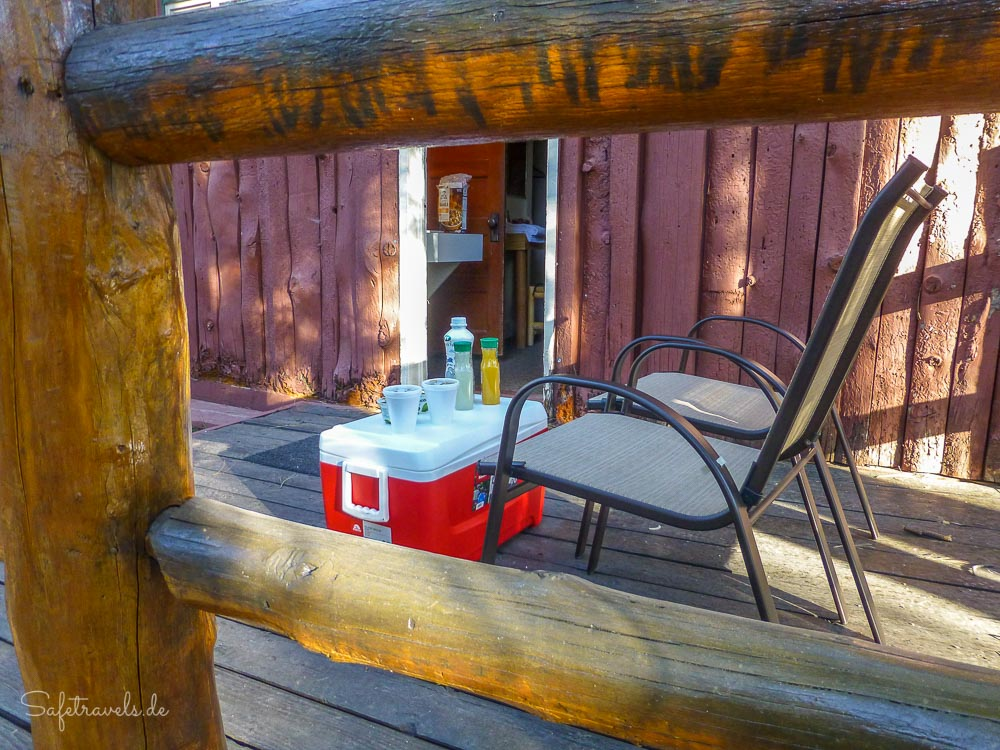 Frühstück auf der Veranda in Jacob Lake Inn