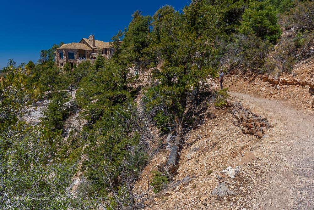 Grand Canyon Lodge vom Bright Angel Point Trail aus