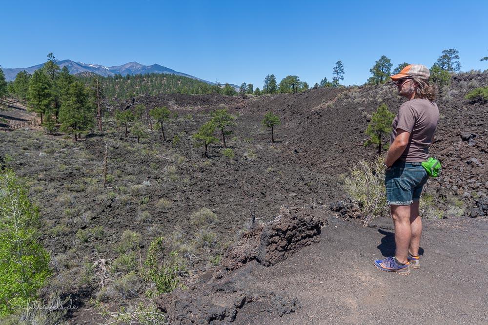 Lava Flow Trail mit Blick auf die San Francisco Peaks