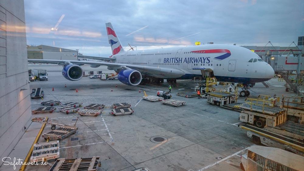 A380 von British Airways am Gate in Los Angeles
