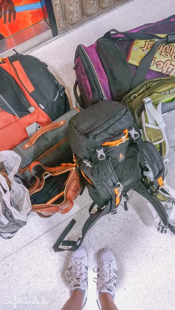 Am Sky Harbor in Phoenix - Umziehen und Gepäck abgeben