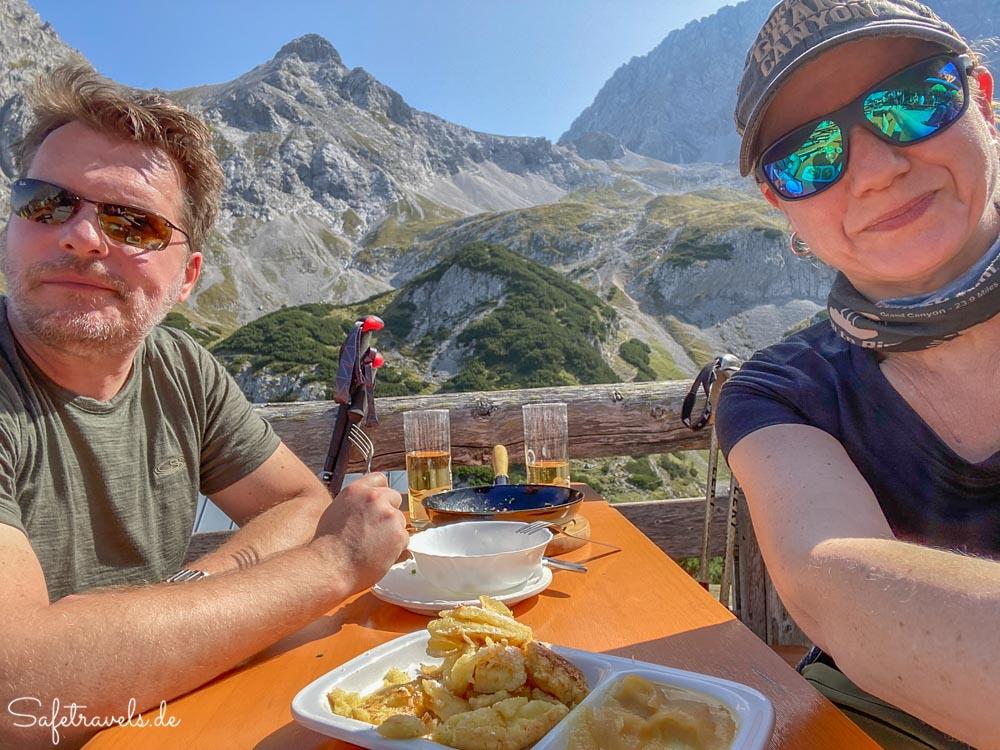 Mittagspause auf der Coburger Hütte