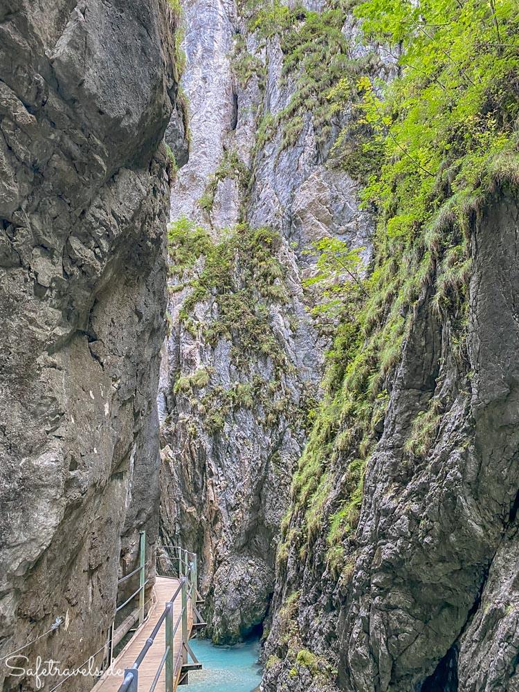 Auf dem Wasserfallsteig in der Leutascher Geisterklamm