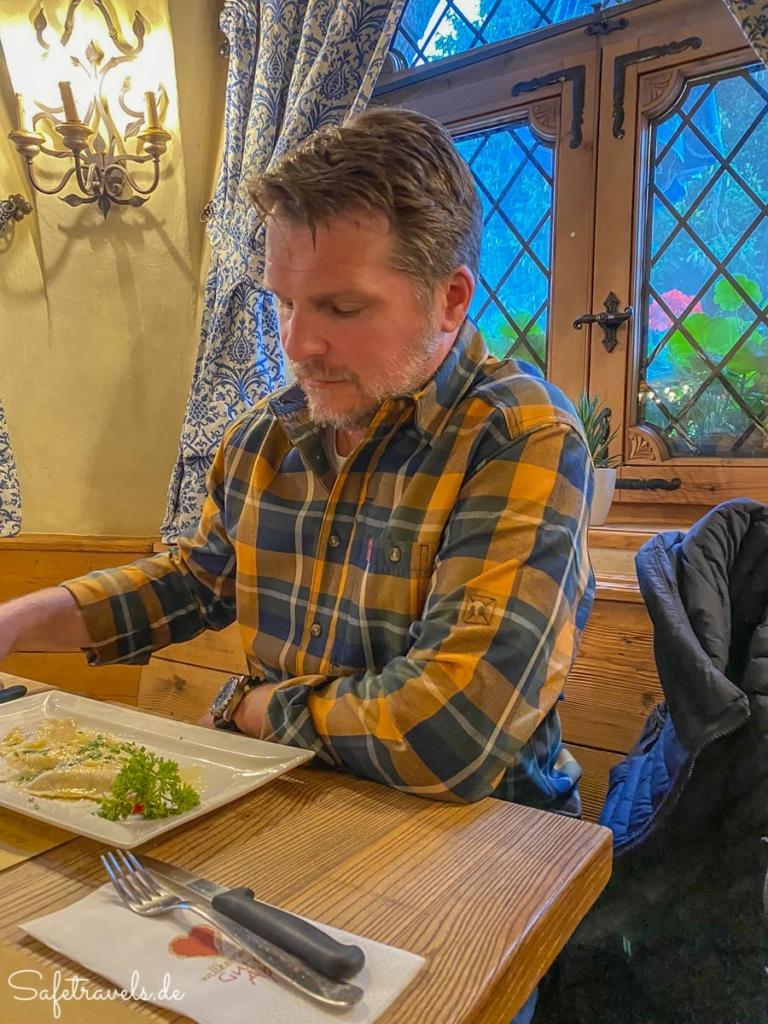 Abendessen im Schlosskeller in Toblach