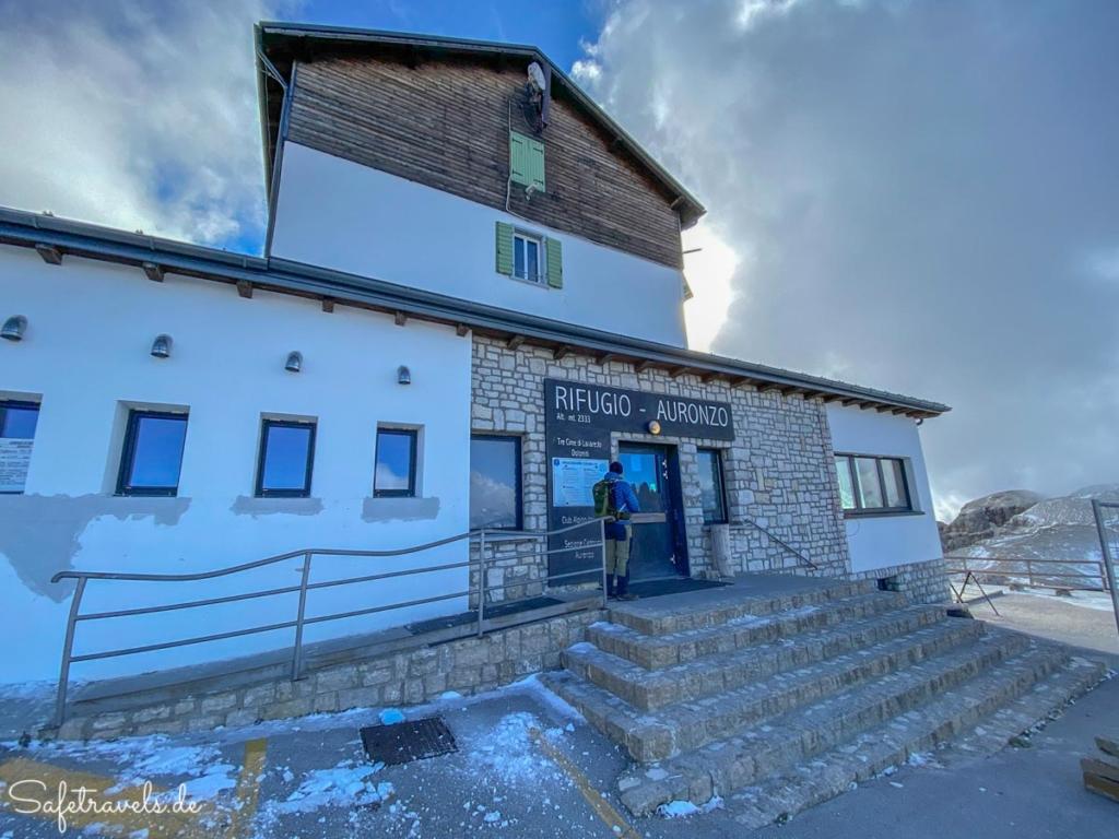 An der Auronzohütte - Wanderung Drei Zinnen