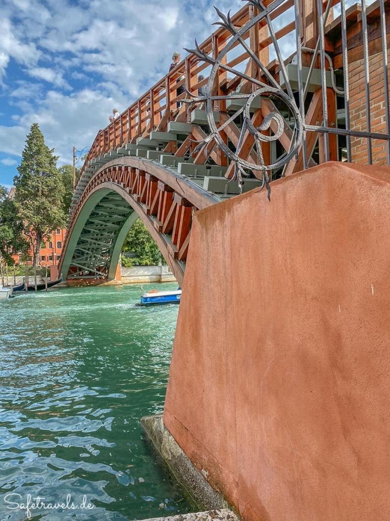Detail Ponte dell'Academia - Venedig