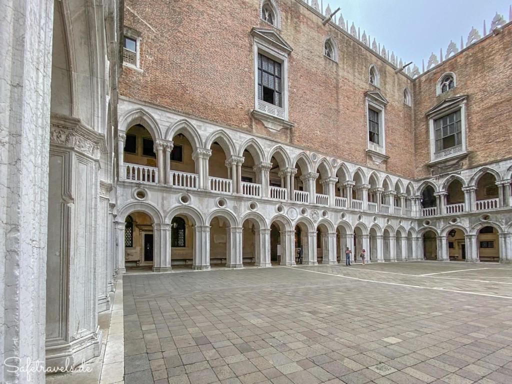 Dogenpalast Venedig - Innenhof