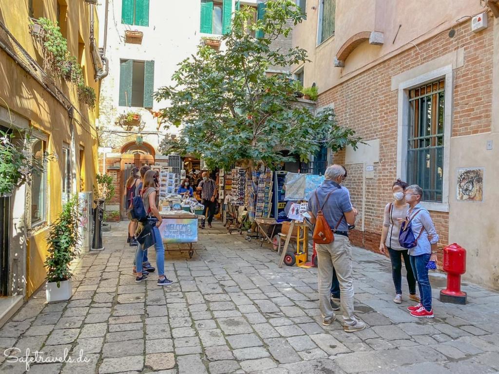 Eingang zur Alta Acqua Libreria in Venedig