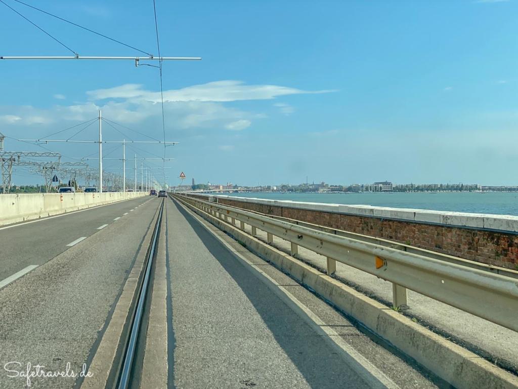 Fahrt nach Venedig über die Ponnte della Liberta