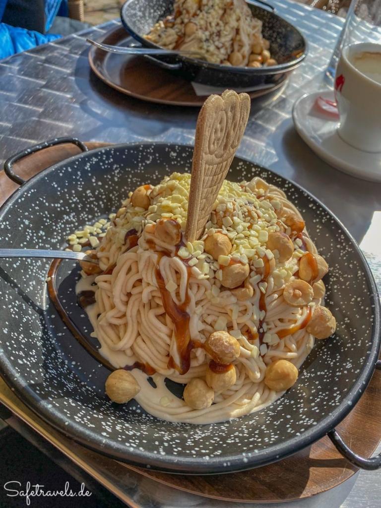 Haselnuss-Spaghettieis in Toblach