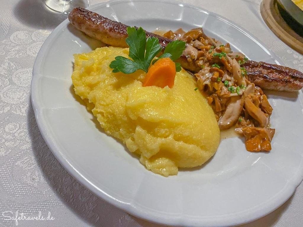 Hausgemachte Bratwurst - Gasthaus Weber in Toblach