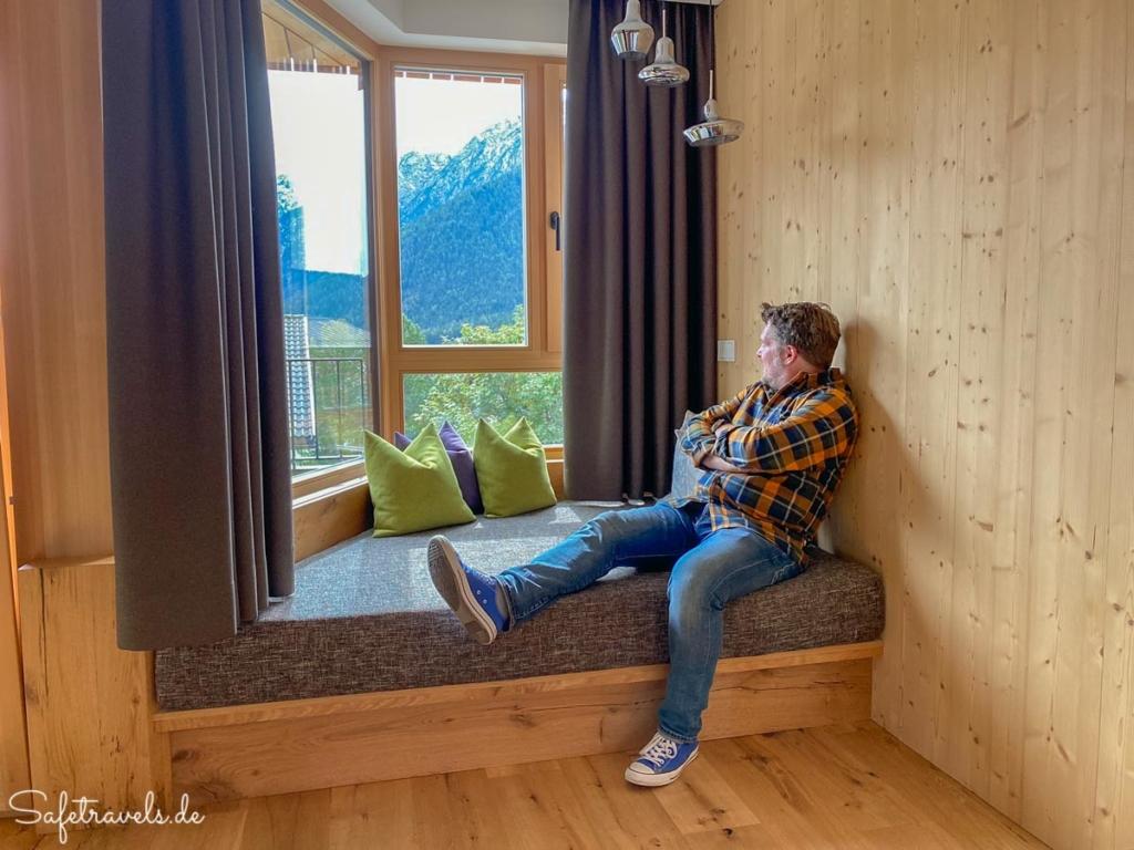Kuschelecke mit Aussicht im Hotel Simpaty in Toblach