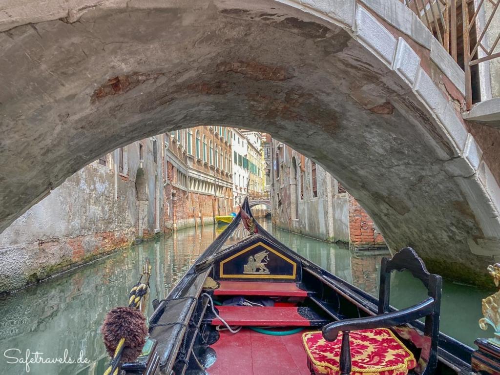 Mit der Gondel durch Venedigs Kanäle
