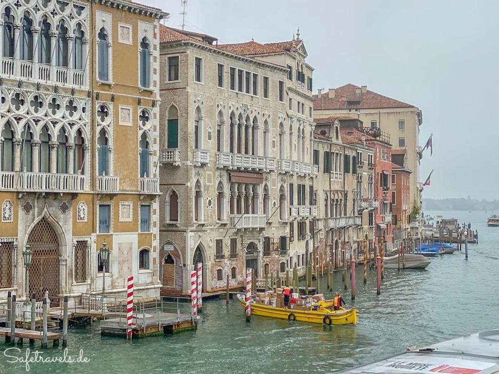 Paketboten in Venedig