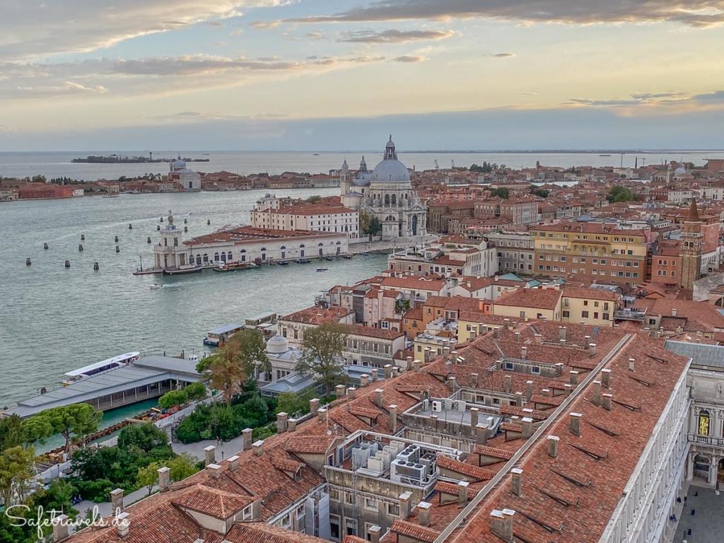 Santa Maria della Salute von oben - Venedig