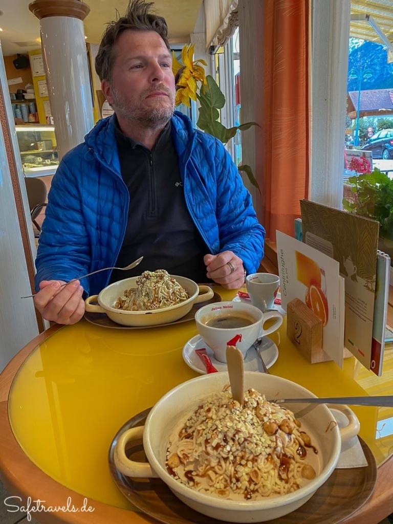 Spaghettieis in der Eisdiele in Toblach