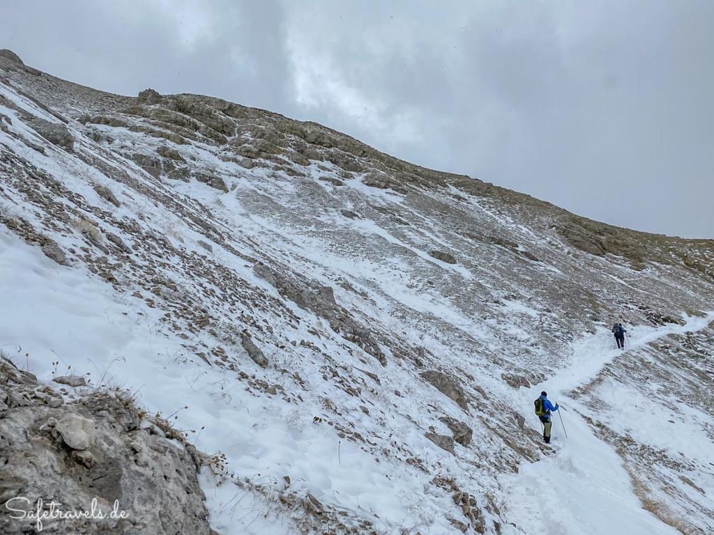 Wanderung im Schnee - Dolomiten