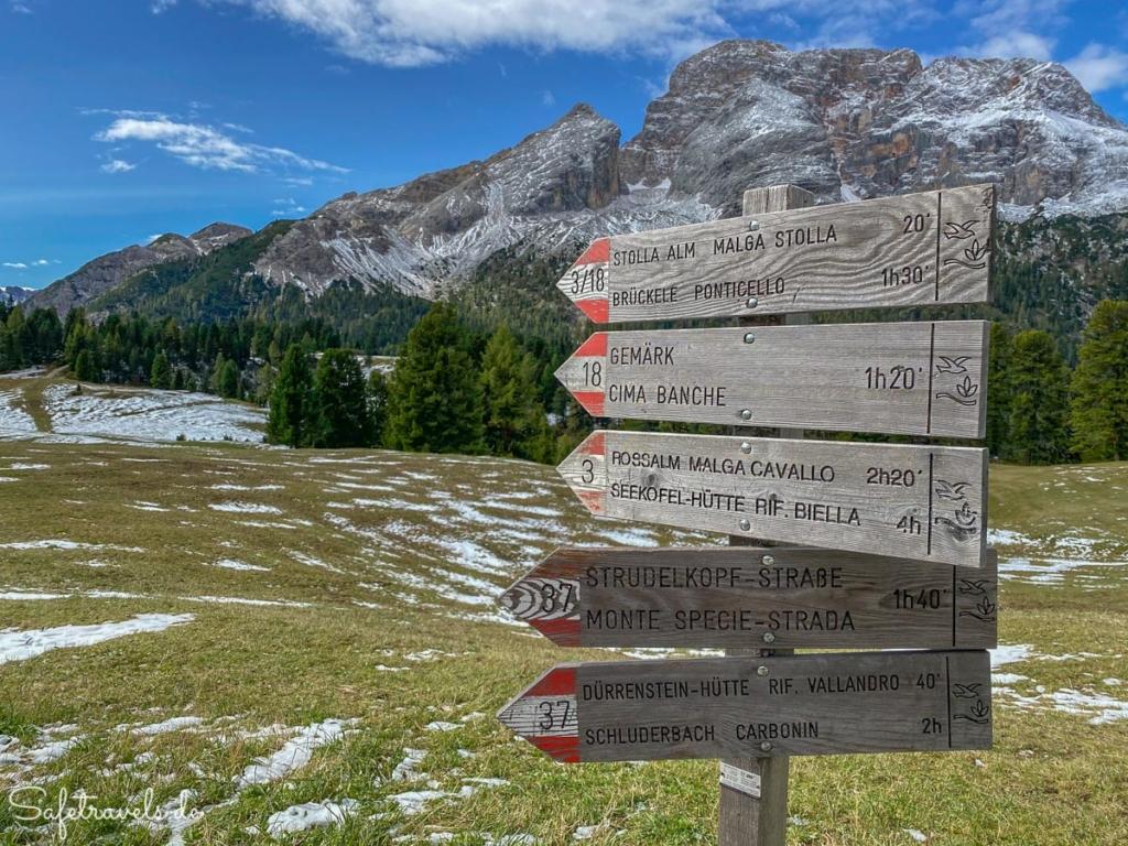 Wegweiser an der Plätzwiese - Wanderung